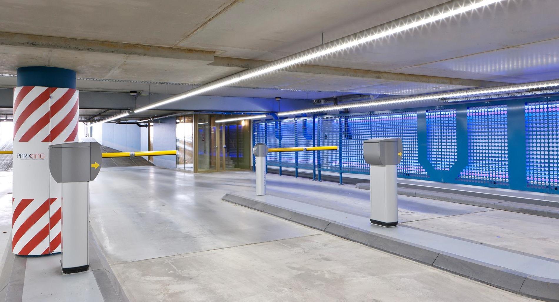 LED verlichting in- uitrit IJdok Amsterdam - Elektro-Four